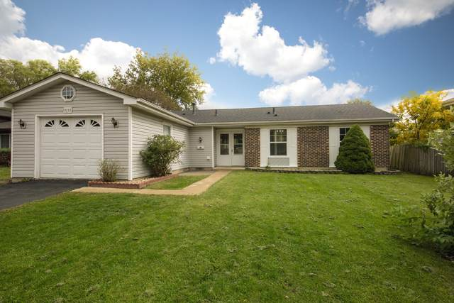 8215 Kensington Lane, Hanover Park, IL 60133 (MLS #10934684) :: Helen Oliveri Real Estate