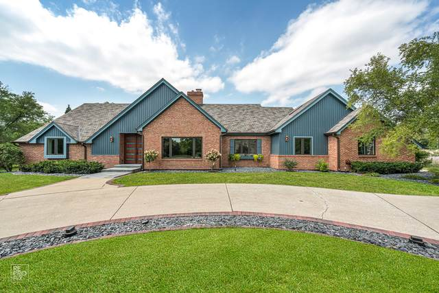 11 Kingston Drive, Oak Brook, IL 60523 (MLS #10936799) :: Jacqui Miller Homes