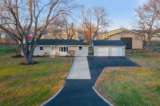39 E Pleasantview Drive, Oswego, IL 60543 (MLS #10937009) :: Helen Oliveri Real Estate