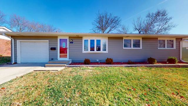 33 Brookwood Drive, Normal, IL 61761 (MLS #10938125) :: BN Homes Group