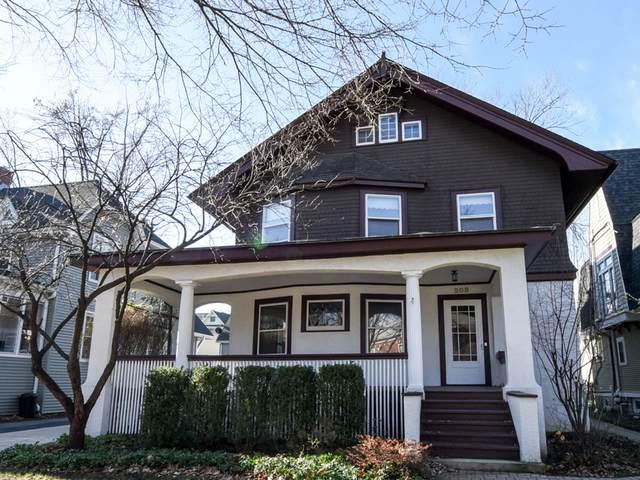 208 S Madison Avenue, La Grange, IL 60525 (MLS #10938899) :: Lewke Partners