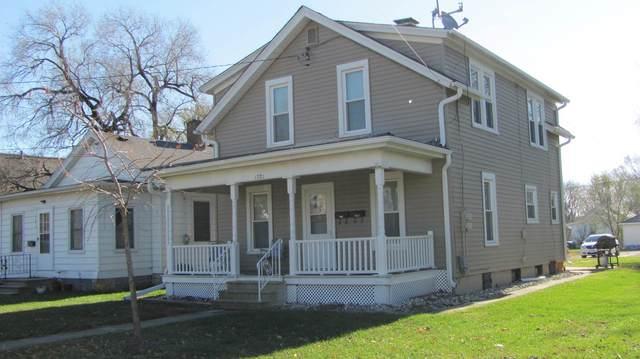 1221 W Madison Street, Ottawa, IL 61350 (MLS #10941228) :: Jacqui Miller Homes