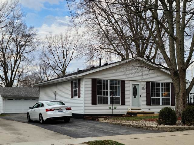 1105 S Livingston Street, Bloomington, IL 61701 (MLS #10942585) :: Schoon Family Group