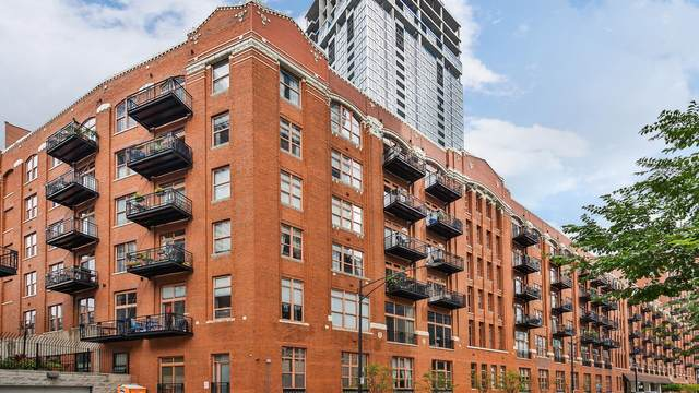 360 W Illinois Street 9E, Chicago, IL 60654 (MLS #10943600) :: Angela Walker Homes Real Estate Group
