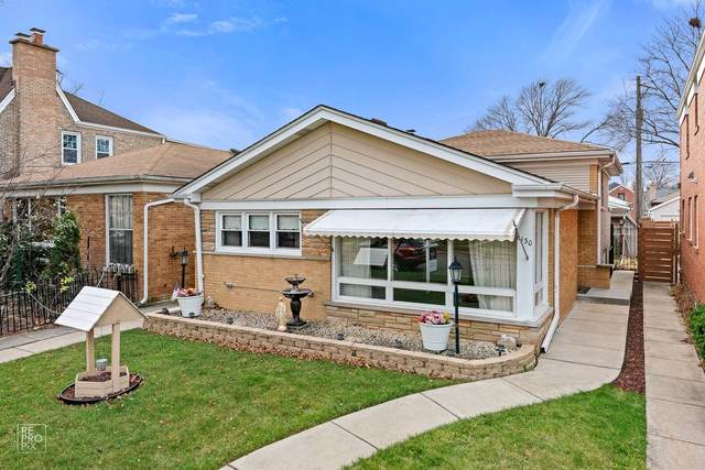 6130 N Kedvale Avenue, Chicago, IL 60646 (MLS #10943625) :: John Lyons Real Estate