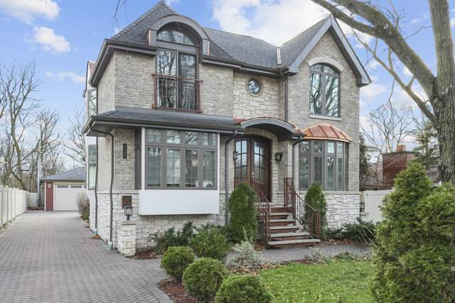 1180 Taylor Avenue, Highland Park, IL 60035 (MLS #10943890) :: Schoon Family Group