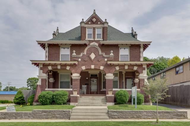 806 E Washington Street, Bloomington, IL 61701 (MLS #10944316) :: BN Homes Group
