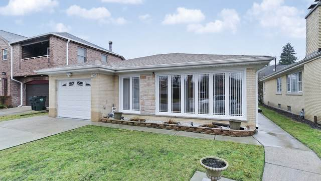 7338 N Kedvale Avenue, Lincolnwood, IL 60712 (MLS #10945187) :: Schoon Family Group
