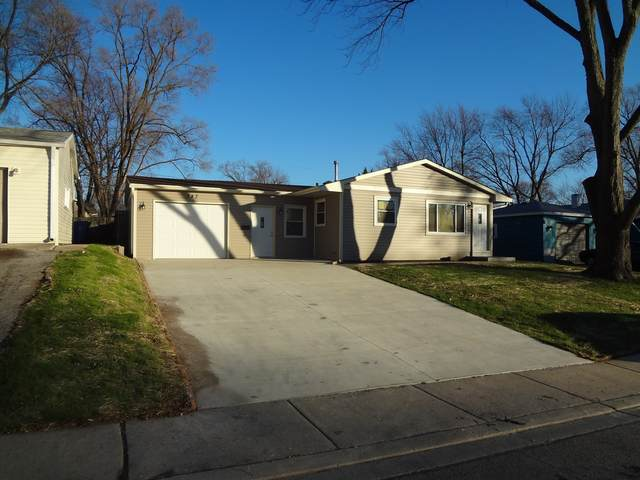 743 Houston Drive, Carpentersville, IL 60110 (MLS #10945693) :: Schoon Family Group