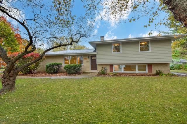 816 Emerald Drive, Naperville, IL 60540 (MLS #10946303) :: John Lyons Real Estate