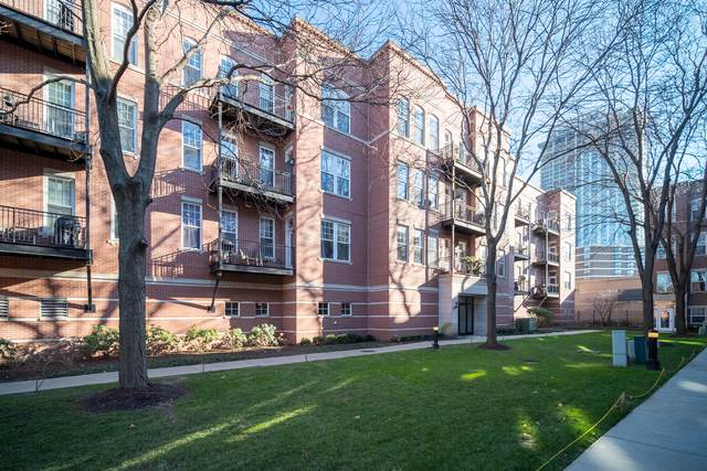 247 W Scott Street #202, Chicago, IL 60610 (MLS #10948386) :: Helen Oliveri Real Estate