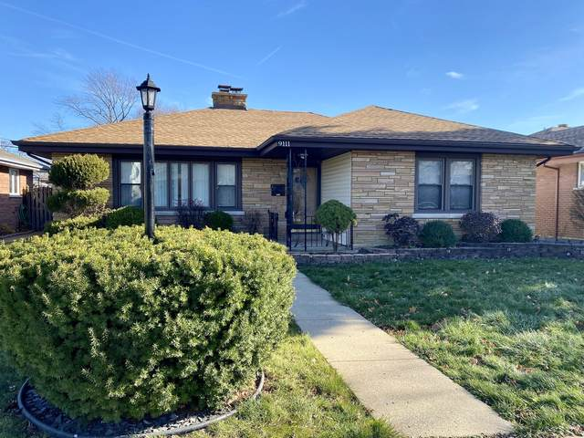 9111 S 55th Avenue, Oak Lawn, IL 60453 (MLS #10948625) :: Jacqui Miller Homes