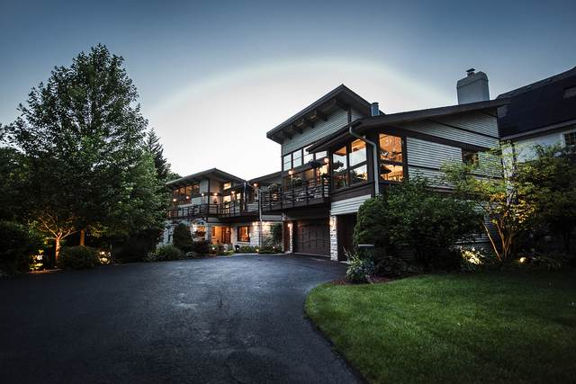 246 Maplewood Road, Riverside, IL 60546 (MLS #10949120) :: Helen Oliveri Real Estate