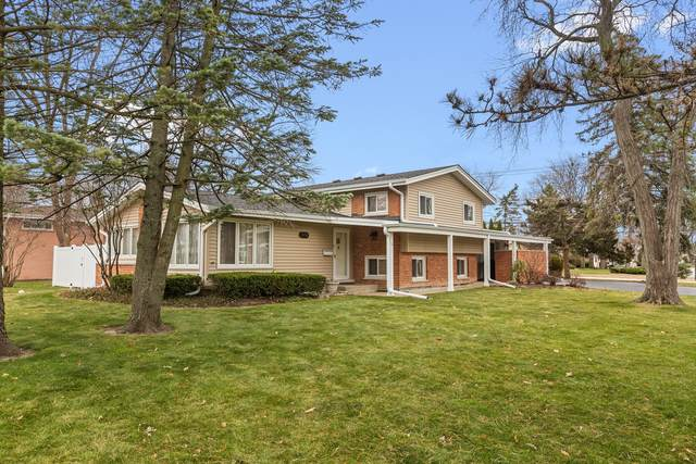 2431 Greenfield Drive, Glenview, IL 60025 (MLS #10949607) :: John Lyons Real Estate