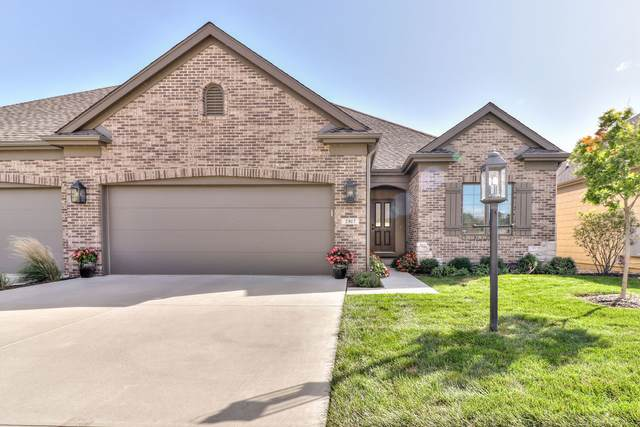 2917 Greystone Place #6, Champaign, IL 61822 (MLS #10950681) :: The Dena Furlow Team - Keller Williams Realty