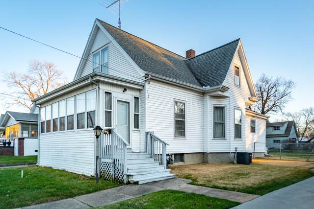 612 W Jackson Street, Bloomington, IL 61701 (MLS #10950784) :: Schoon Family Group