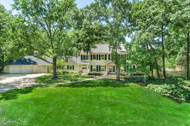 122 Carriage Road, North Barrington, IL 60010 (MLS #10950983) :: Schoon Family Group