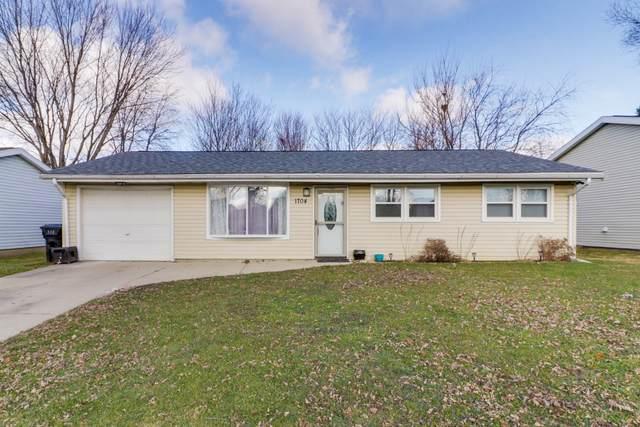 1704 Taft Drive, Normal, IL 61761 (MLS #10953571) :: John Lyons Real Estate