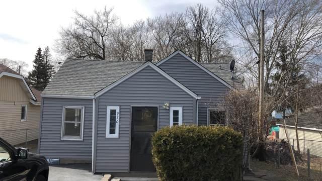 930 N Clarendon Drive, Round Lake Beach, IL 60073 (MLS #10953734) :: Helen Oliveri Real Estate