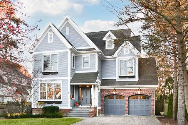 636 Wayland Avenue, Kenilworth, IL 60043 (MLS #10955536) :: Janet Jurich