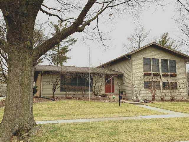 2102 Bristol Road, Champaign, IL 61821 (MLS #10958447) :: The Wexler Group at Keller Williams Preferred Realty