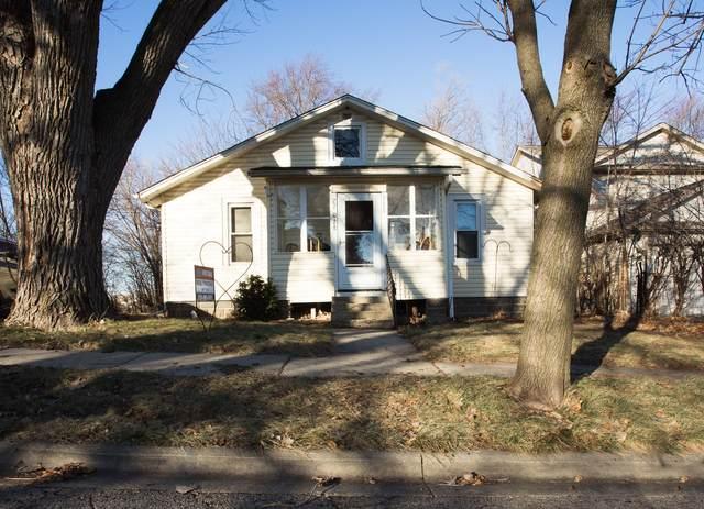 27W028 Oak Street, Hanover Park, IL 60133 (MLS #10959621) :: Janet Jurich