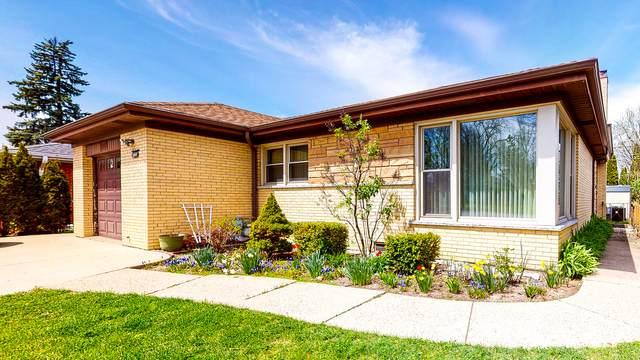 4668 W Devon Avenue, Lincolnwood, IL 60712 (MLS #10961145) :: Schoon Family Group