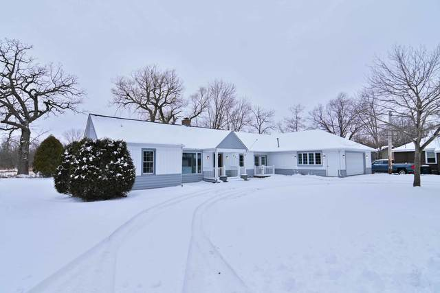 821 S 6th Street, Silver Lake, WI 53170 (MLS #10961157) :: Jacqui Miller Homes