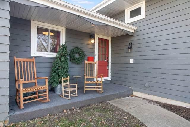 810 Tulip Lane, Naperville, IL 60540 (MLS #10963596) :: John Lyons Real Estate