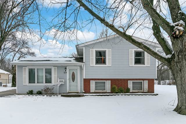 36608 N Hutchins Road, Gurnee, IL 60031 (MLS #10964790) :: Jacqui Miller Homes