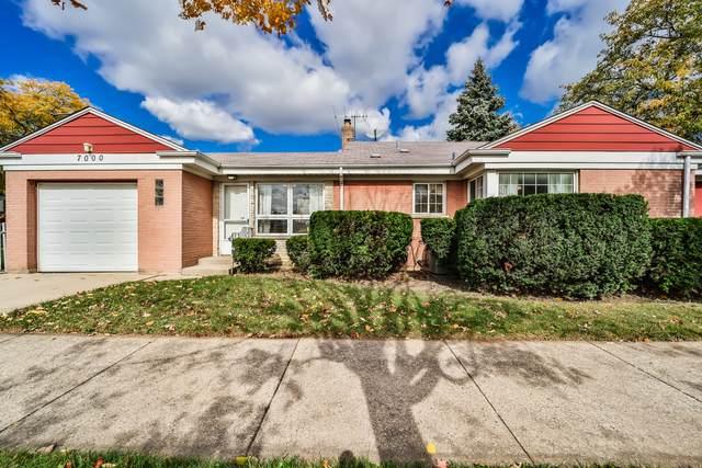 7000 N East Prairie Road, Lincolnwood, IL 60712 (MLS #10965092) :: Schoon Family Group