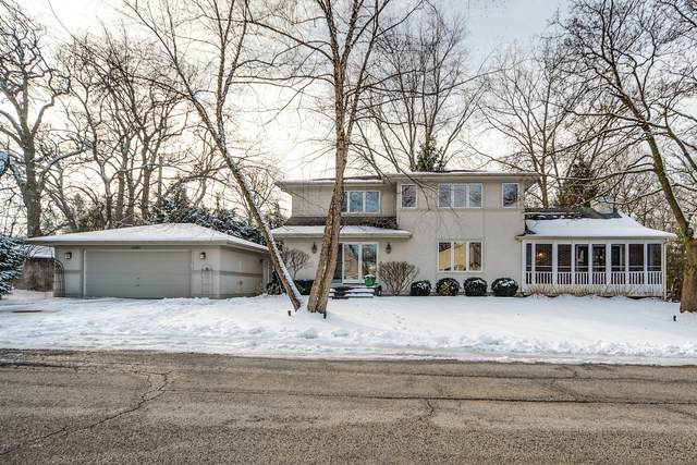 26880 N Circle Drive, Mundelein, IL 60060 (MLS #10965749) :: Jacqui Miller Homes