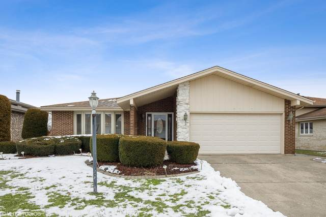 10715 E Olympia Circle, Palos Hills, IL 60465 (MLS #10966391) :: The Wexler Group at Keller Williams Preferred Realty