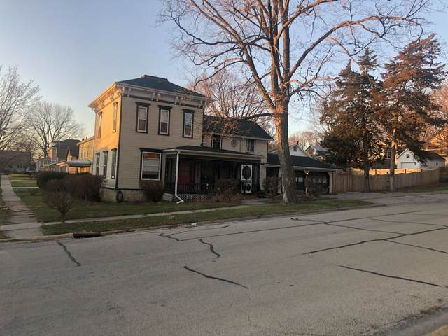 401 N Base Street, Morrison, IL 61270 (MLS #10966822) :: The Spaniak Team