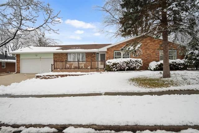 2912 Mockingbird Lane, Bloomington, IL 61704 (MLS #10966903) :: Jacqui Miller Homes