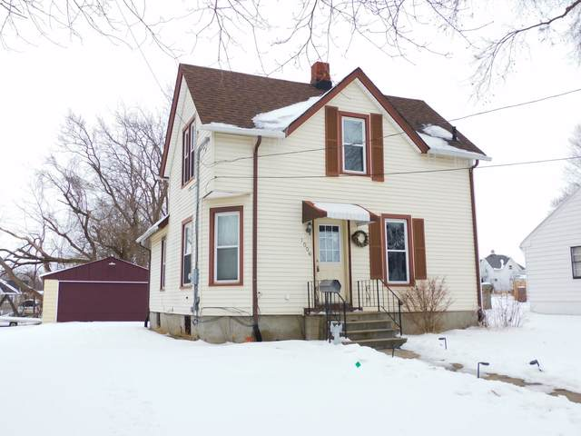 1006 E 2nd Street, Belvidere, IL 61008 (MLS #10966999) :: Jacqui Miller Homes