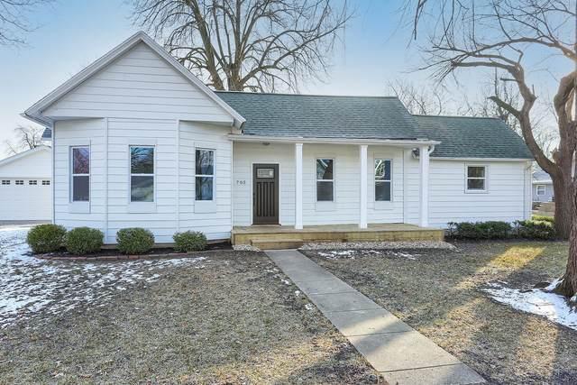705 N Center Street N, Tuscola, IL 61953 (MLS #10967434) :: Littlefield Group
