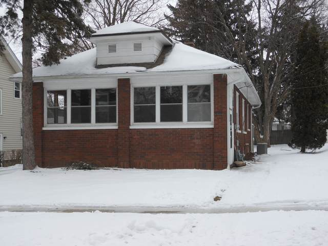 646 N 10th Street, Dekalb, IL 60115 (MLS #10968123) :: Schoon Family Group