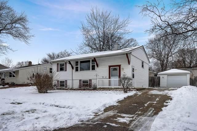 368 Tee Lane, Carpentersville, IL 60110 (MLS #10968161) :: Schoon Family Group
