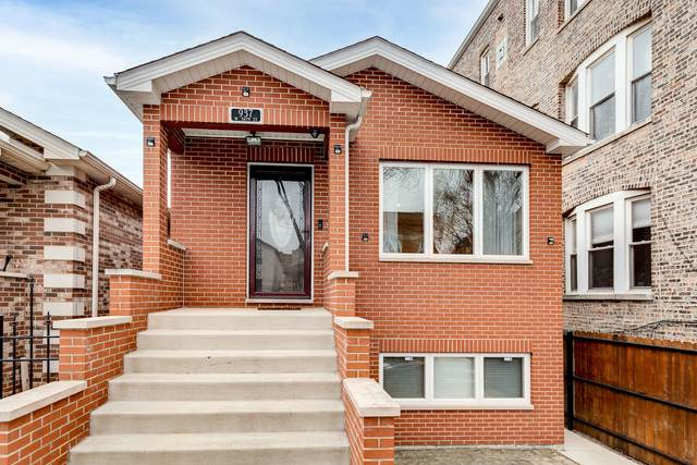 937 W 34TH Street, Chicago, IL 60608 (MLS #10969603) :: Jacqui Miller Homes