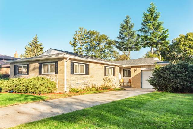 1904 E Ivy Lane, Mount Prospect, IL 60056 (MLS #10970394) :: Jacqui Miller Homes