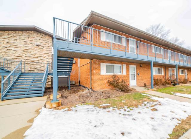 1910 W Hatherleigh Court 2A, Mount Prospect, IL 60056 (MLS #10970408) :: Jacqui Miller Homes