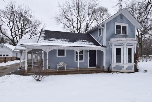 32W244 Glos Street, Wayne, IL 60184 (MLS #10972567) :: Suburban Life Realty