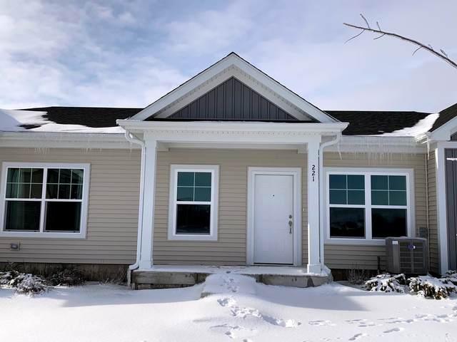 221 S Walnut Street, Cortland, IL 60112 (MLS #10972846) :: Helen Oliveri Real Estate