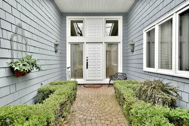 55 Briarwood Lane, Oak Brook, IL 60523 (MLS #10973452) :: Angela Walker Homes Real Estate Group