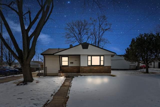 1811 W Greenwood Avenue, Waukegan, IL 60087 (MLS #10973522) :: Jacqui Miller Homes