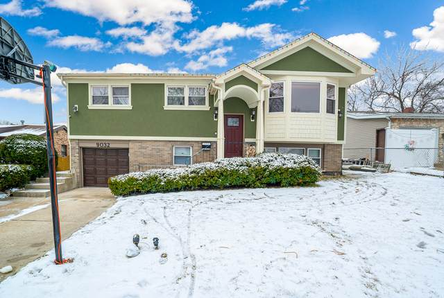 9032 E Forest Lane, Hickory Hills, IL 60457 (MLS #10973999) :: Jacqui Miller Homes