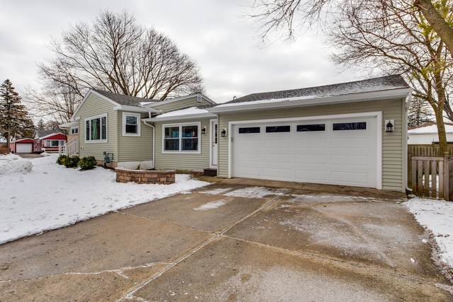 303 Dawes Street, Libertyville, IL 60048 (MLS #10974087) :: The Spaniak Team
