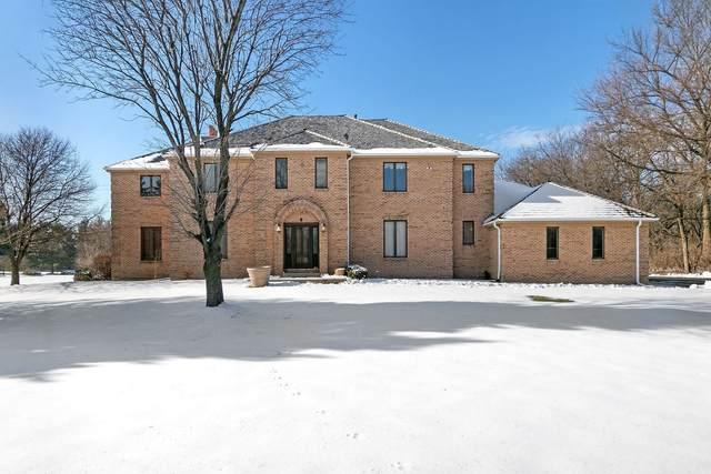 21 Rolling Hills Drive, Barrington Hills, IL 60010 (MLS #10974200) :: Jacqui Miller Homes