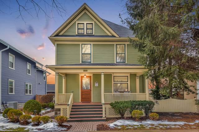 223 N Ellsworth Street, Naperville, IL 60540 (MLS #10974770) :: Helen Oliveri Real Estate